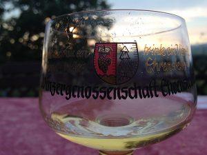 Laut Statistik werden sechs von sieben Gläsern Wein in Deutschland zu Hause getrunken.