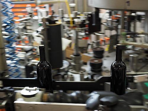 Labor Weingut Schwefel Abfüllen Flasche