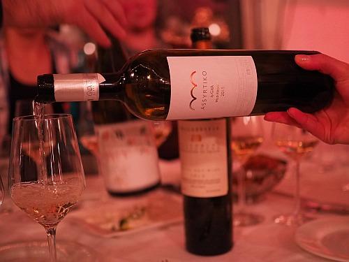 griechischer Wein Assyrtiko aus Santorini