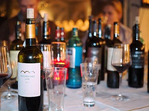 griechischer Wein Flaschen Auswahl