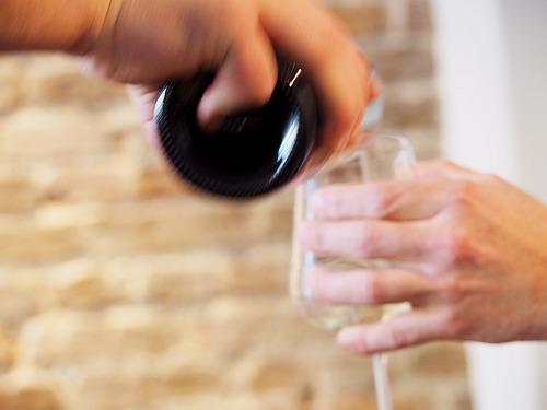 weihnachtliche Weinsorgen Glas richtig anfassen