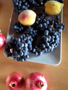 Trauben Granatäpfel Pfirsich Obst