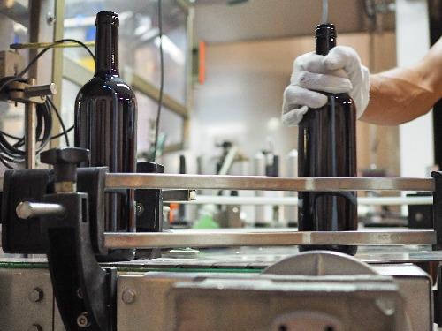 Psychologie der Flaschengröße Standard Weinflasche Dreiviertelliter 0,75 l